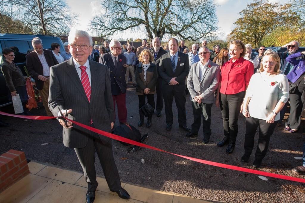 Les Harris opens Fringford village hall